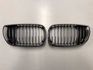 BMW E46 Grill/Njurar Chrome/Black